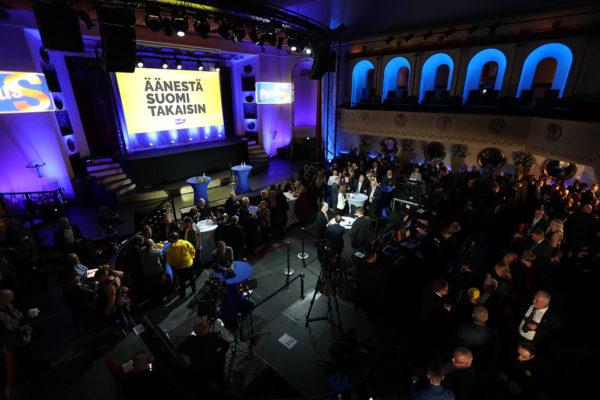 Perussuomalaisten vaalivalvojaiset Apollo Live Club. Eduskuntavaalit2019.
