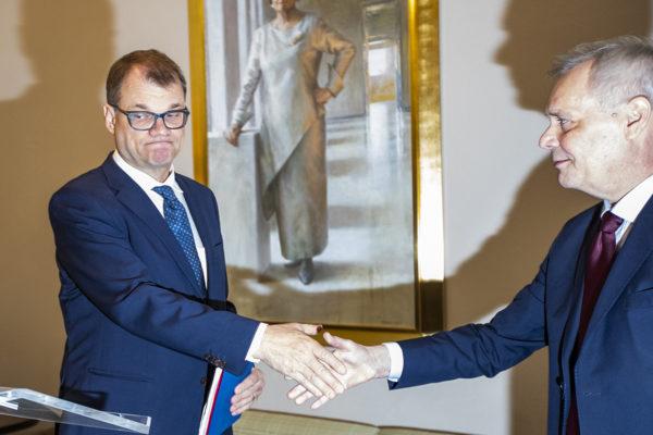 Keskustan Juha Sipilä ja Sdp:n Antti Rinne hallitusneuvotteluja koskevassa tiedotustilaisuudessa keskiviikkona 8. toukokuuta 2019.