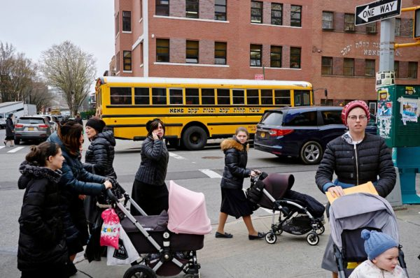 Tuhkarokko on levinnyt New Yorkin juutalaiskortteleissa, vaikka ortodoksijuutalaisten johtajat ovat kehottaneet ihmisiä rokottautumaan.