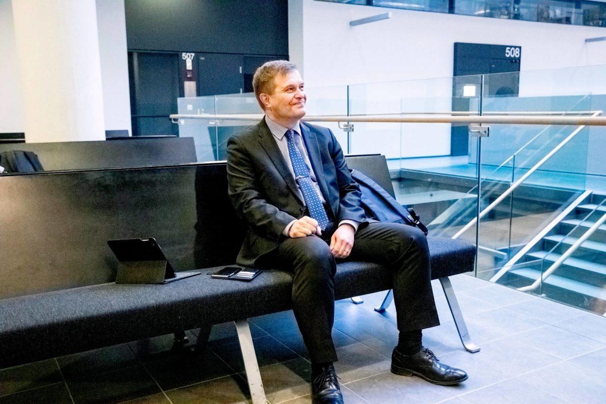 Käräjillä selvitetään, onko kansanedustaja Kari Tolvasen (kok) kunniaa loukattu.
