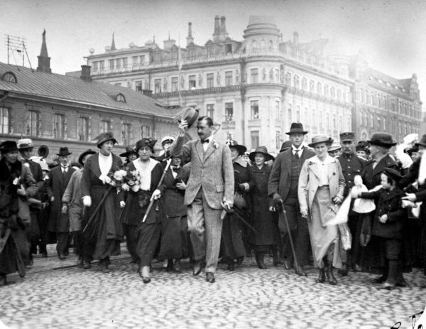 Mannerheim valittiin valtionhoitajaksi, koska hänellä oli hyvät suhteet länsivaltoihin. Kuva vuodelta 1918.