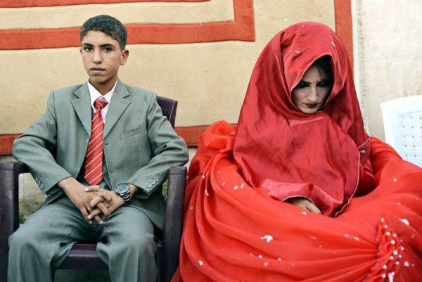 Hussein Younis Ali, 14, ja Nada Ali Hussein, 17, vihittiin avioliittoon Irakin Tikritissä lokakuussa 2013.
