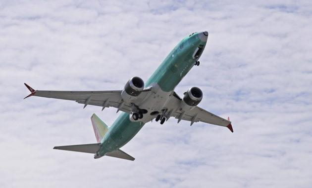 Tuliterä Boeing 737 MAX 8 -kone koelennolla 8. toukokuuta 2019.