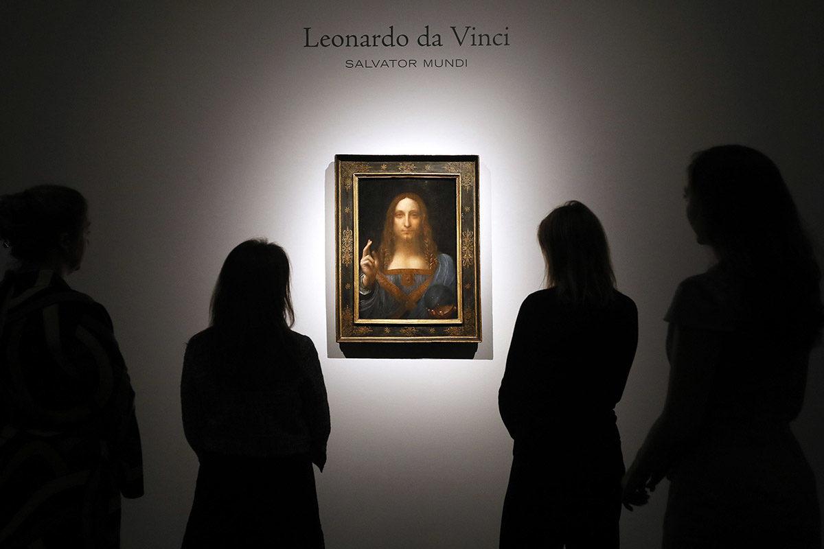 Salvator Mundi -maalaus oli esillä Christie's-huutokauppakamarin tiloissa Lontoossa 24. lokakuuta 2017.