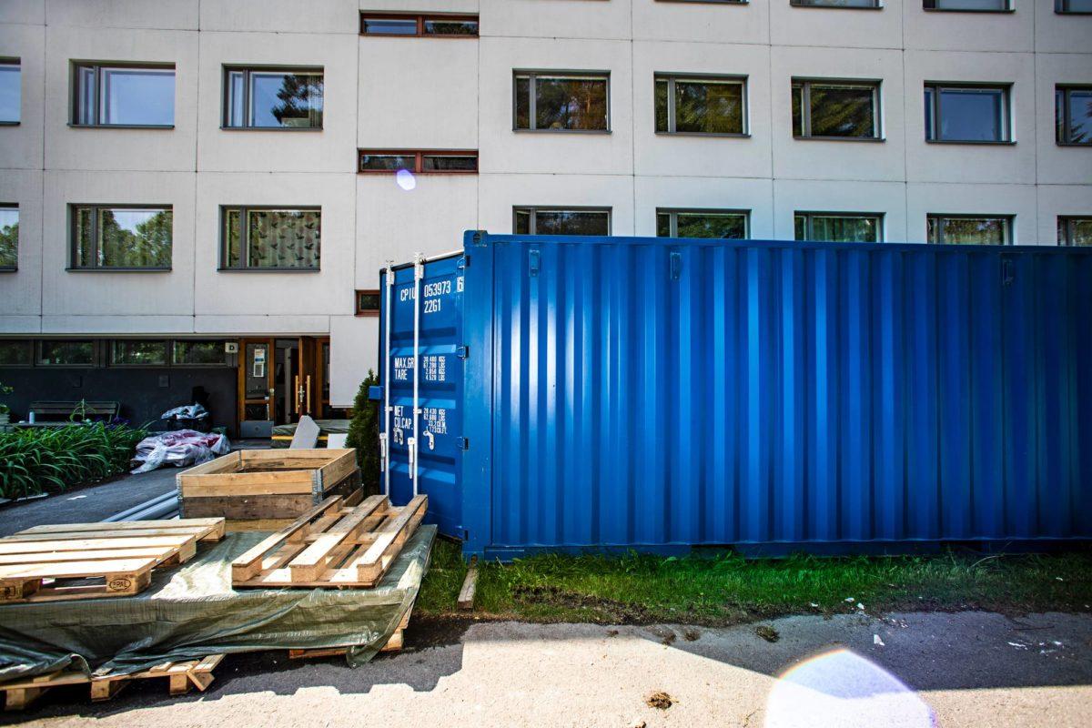 Putkiremonttityömaa Helsingin Kontulassa.