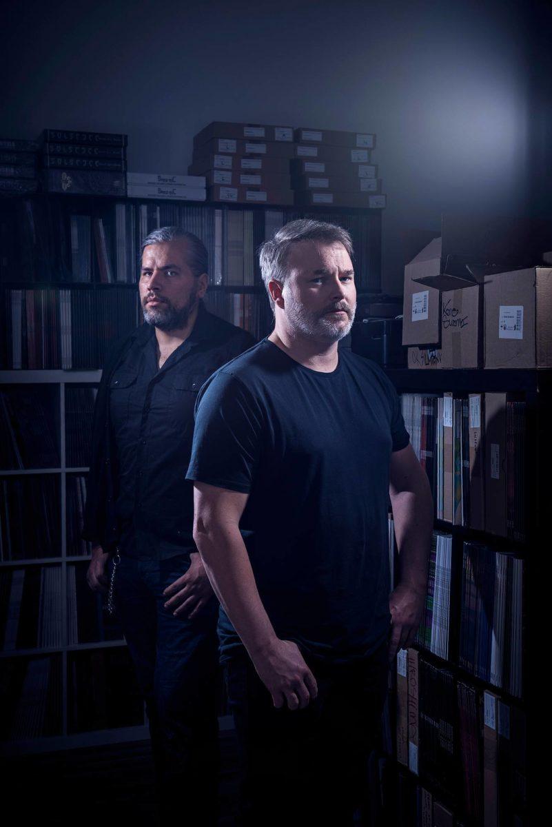 Svart Records levy-yhtiön perustajat Tomi Pulkki (vas.) ja Jarkko Pietarinen.