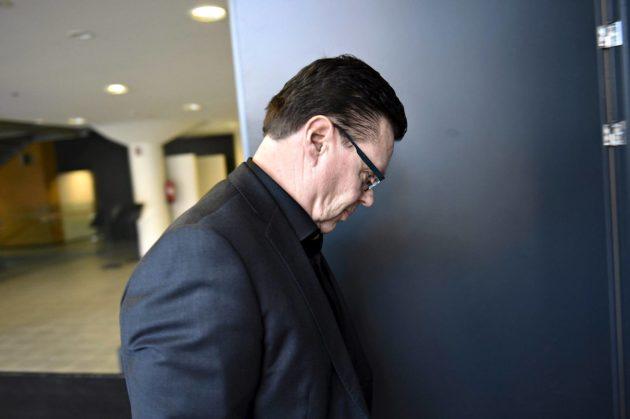 Helsingin huumepoliiisin entinen päällikkö Jari Aarnio Helsingin käräjäoikeudessa 27. maaliskuuta.