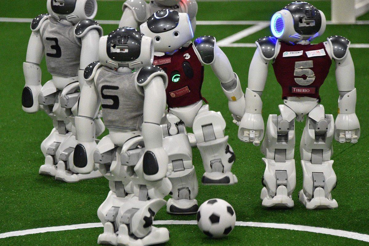 Robotit pelasivat jalkapalloa RoboCup 2019 -tapahtumassa Sydneyssä 4. kesäkuuta 2019.