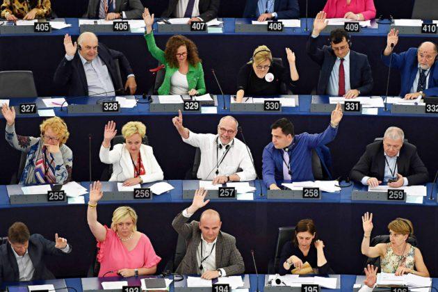 Euroopan parlamentin äänestys 18. heinäkuuta Strasbourgissa.