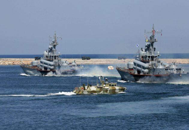 Venäläisalukset osallistuivat sotilasparaatiin Mustallamerellä sunnuntaina 29. heinäkuuta 2019.