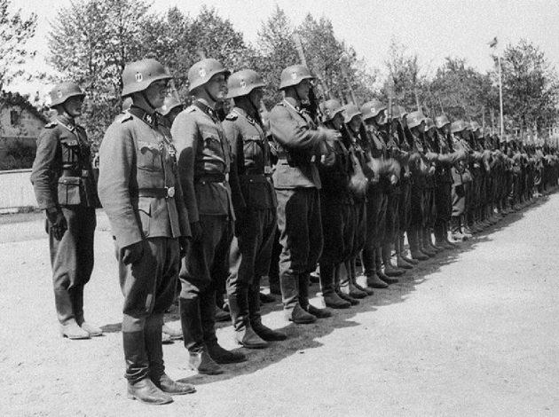 Vapaaehtoinen suomalainen SS-pataljoona kesäkuun alussa 1943 Hangossa.