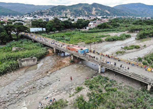 Venezuelan ja Kolumbian välinen rajanylityspaikka 9. kesäkuuta 2019.