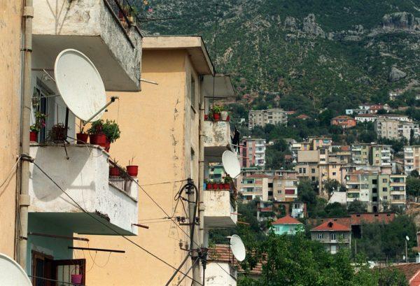 Euroopan unionin komission suosituksen mukaan EU:n tulisi aloittaa varsinaiset jäsenyysneuvottelut Albanian kanssa.