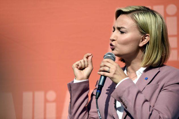 Ruotsin kristillisdemokraattien Ebba Busch Thor yhdistää henkilökohtaisen ja poliittisen sosiaalisen median viestinnässään.