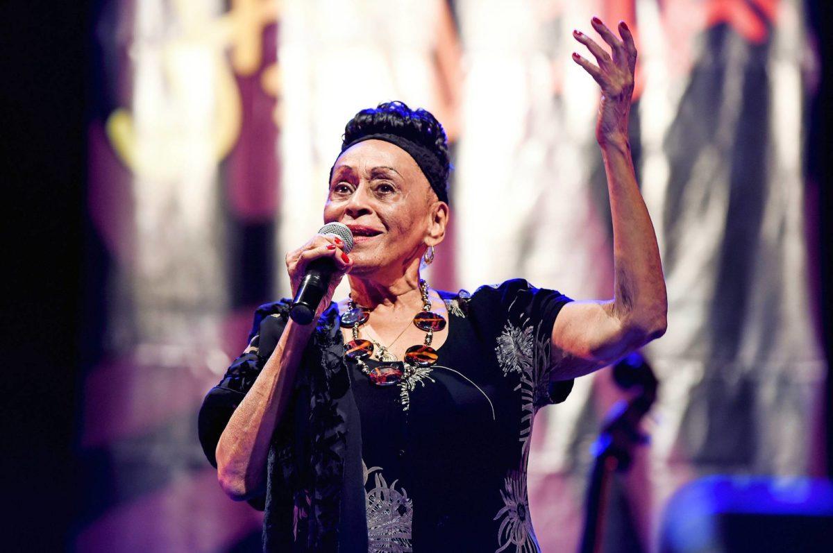 Omara Portuondo.