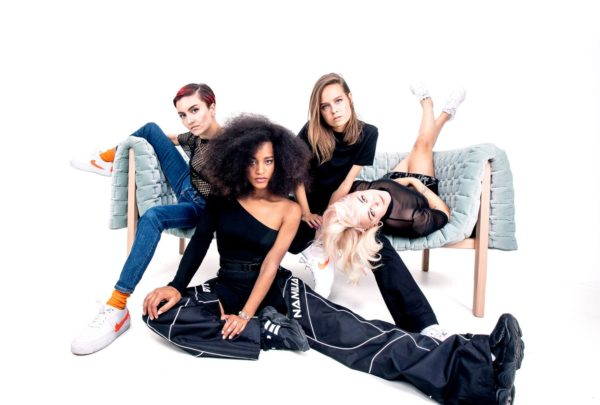 Fanni Noroila, Rebekka Aili Kuukka, Sonja Kuittinen ja Taika Mannila ovat Dreamgirlsin jäseniä.
