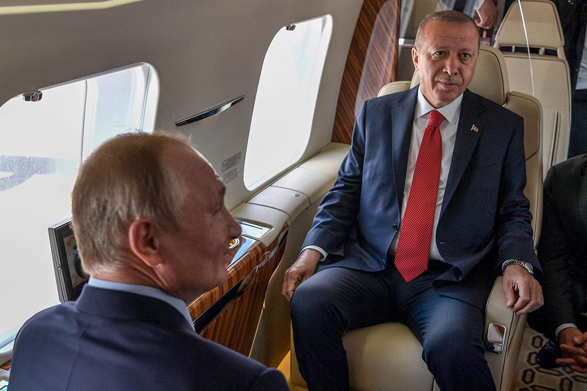 Vladimir Putin ja Recep Tayyip Erdoğan istuivat yhdessä lentokoneessa MAKS-2019 ilmailunäytöksessä Moskovassa.