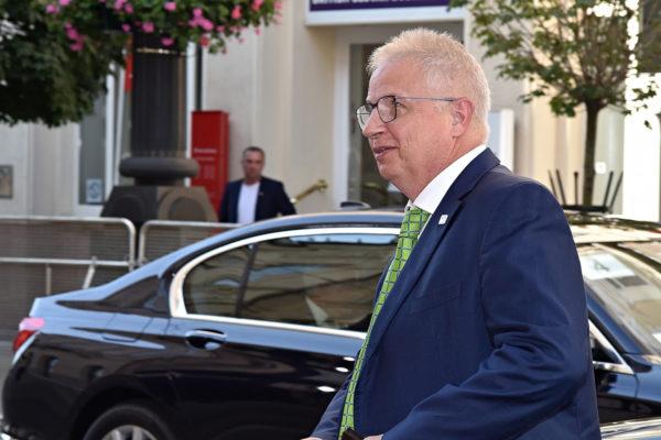 EU-komissaariksi tyrkyllä oleva László Trócsányi toimi Unkarin oikeusministerinä vuosina 2014–2018.