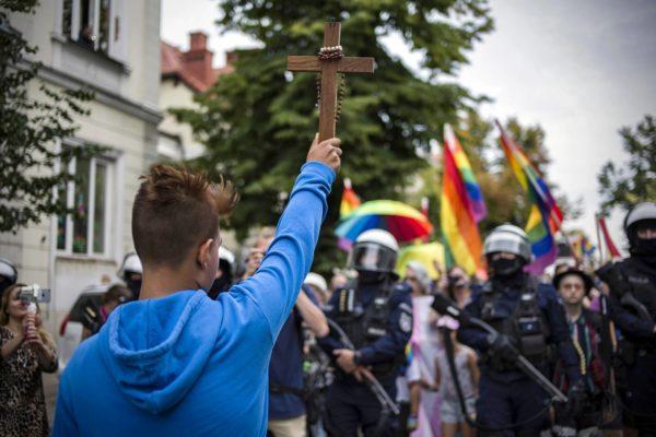 Seksuaalivähemmistöt ovat jatkaneet tasa-arvomarssien järjestämistä. Plockissa 10. elokuuta marssijoita oli noin tuhat, vastustajia satoja.
