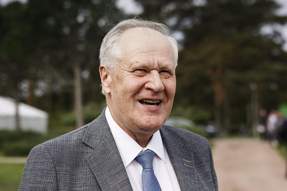 Seepo Kääriäinen osallistui Kultaranta-keskusteluihin Naantalissa 17. kesäkuuta 2019.