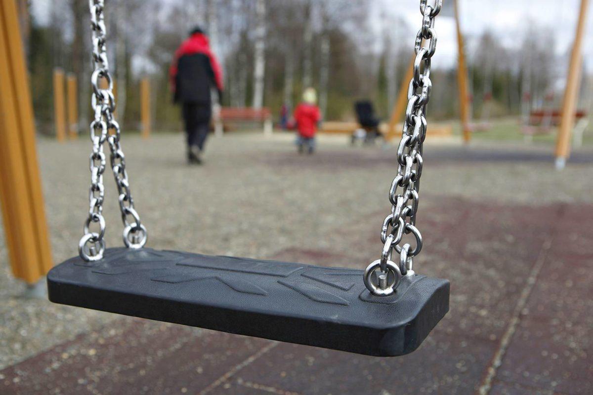 Avioeroissa lapsista tulee usein aikuisten riidan pelinappuloita.
