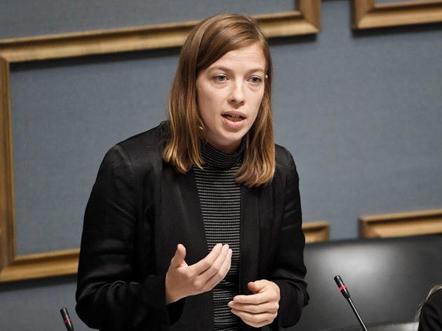 Opetusministeri, vasemmistoliiton puheenjohtaja Li Andersson suullisella kyselytunnilla eduskunnassa 12. elokuuta 2019.