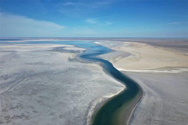 Uzbekistanissa Araljärven tuho on ollut lähes täydellinen. Siellä vesistön kuivuminen jatkuu yhä.