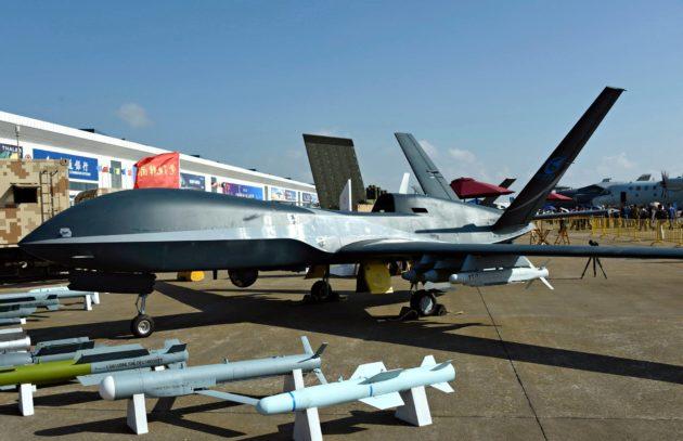 Kiinalaislennokit haastavat amerikkalaiset kilpailijansa. Tuotteita esiteltiin Zhuhain ilmailunäytöksessä marraskuussa 2018.