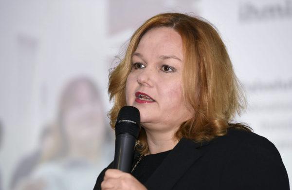 Perhe- ja peruspalveluministeri Krista Kiuru sote-uudistusta käsittelevässä tiedotustilaisuudessa Helsingissä 15. lokakuuta 2019.