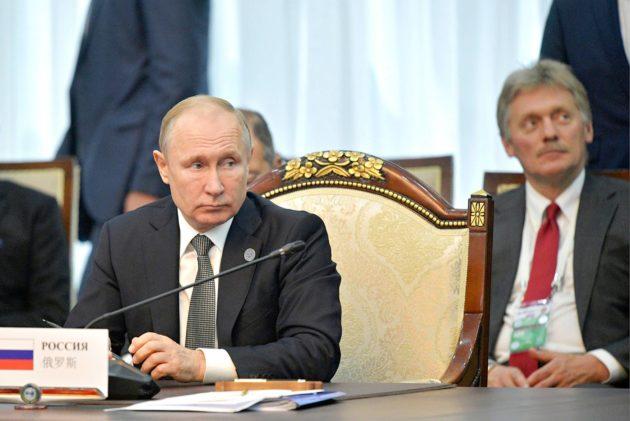 Presidentti Vladimir Putin ja hänen lehdistösihteerinsä Dmitri Peskov ovat olleet huolissaan ulkovaltojen tiede- ja teollisuusvakoilusta.