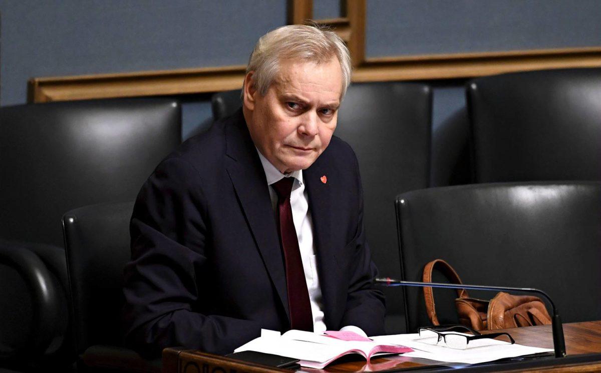 Antti Rinne odottaa työmarkkinajärjestöiltä keinoja nostaa pienimpiä työeläkkeitä.