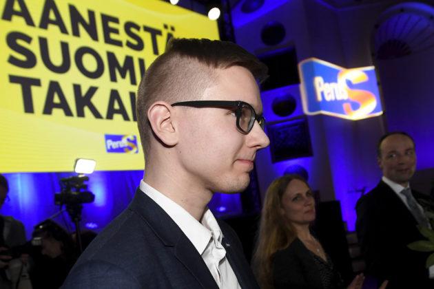 Perussuomalaisten Nuorten puheenjohtaja Asseri Kinnunen puolueen vaalivalvojaisissa Helsingissä 14. huhtikuuta 2019.