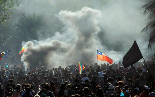 Mielenosoituksia Chilen pääkaupungissa Santiagossa 13. joulukuuta.