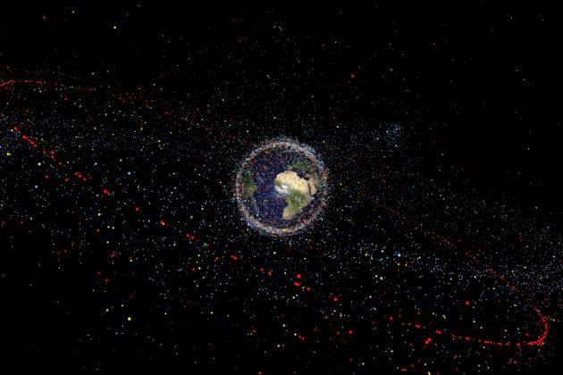 Euroopan avaruusjärjestön mallintama kuva havainnollistaa kaikkea maapallon kiertoradalle avaruusaikana kertynyttä romua.