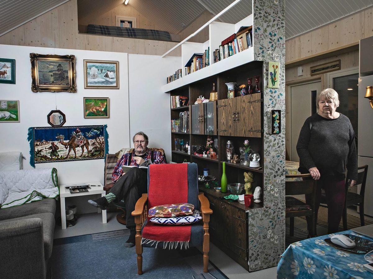 Matti Pullo erotti olohuoneen ja keittiön, jotta puoliso Ulla-Brita Forsblom saisi omaa rauhaa.