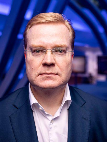 Tommi Uitto johtaa Nokian matkapuhelinverkkojen liiketoimintayksikköä.