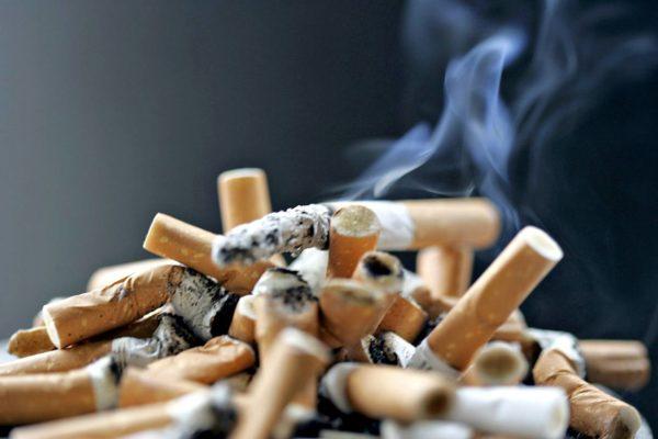 Tupakan vaikutukset mielenterveyteen kaipaavat jatkotutkimuksia.