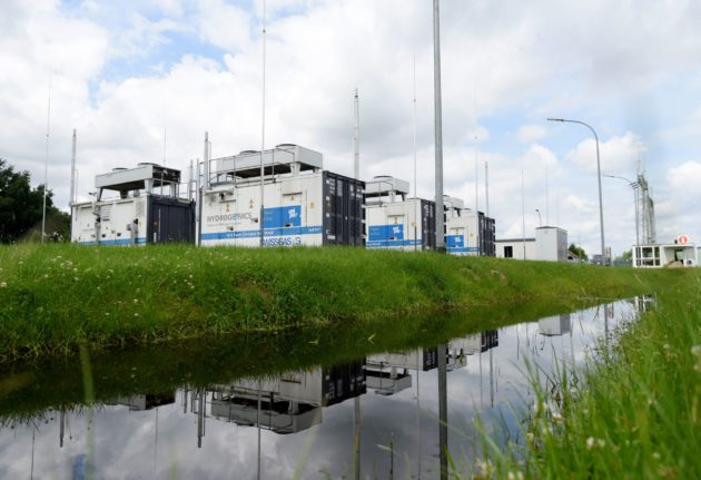 Uniperin Falkenhagenin asemalla Saksassa valmistetaan sähkön avulla vedestä vetyä, joka käytetään tavanomaisen maakaasun seassa.