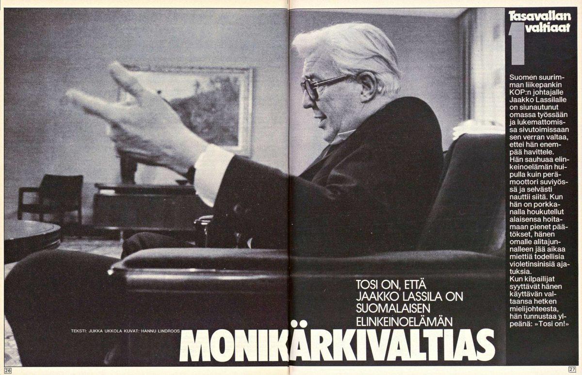 """SK 2/1985 (11.1.1985) Jukka Ukkola: """"Tosi on, että Jaakko Lassila on suomalaisen elinkeinoelämän monikärkivaltias"""". Kuva: Hannu Lindroos."""