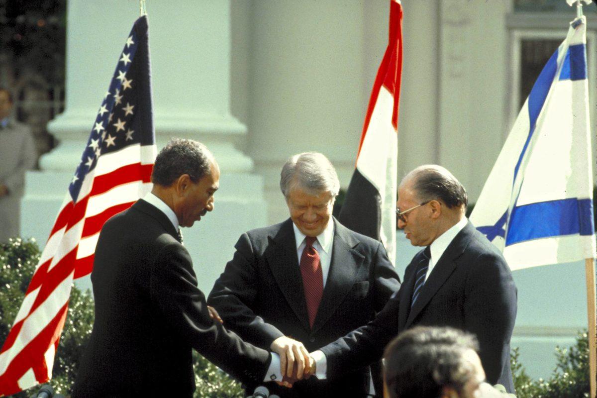 Egypti ja Israel neuvottelivat rauhansopimuksen Camp Davidissa 1979. Amerikkalaiset avasivat egyptiläisten viestit ja luovuttivat tietoja Israelin neuvottelijoille.