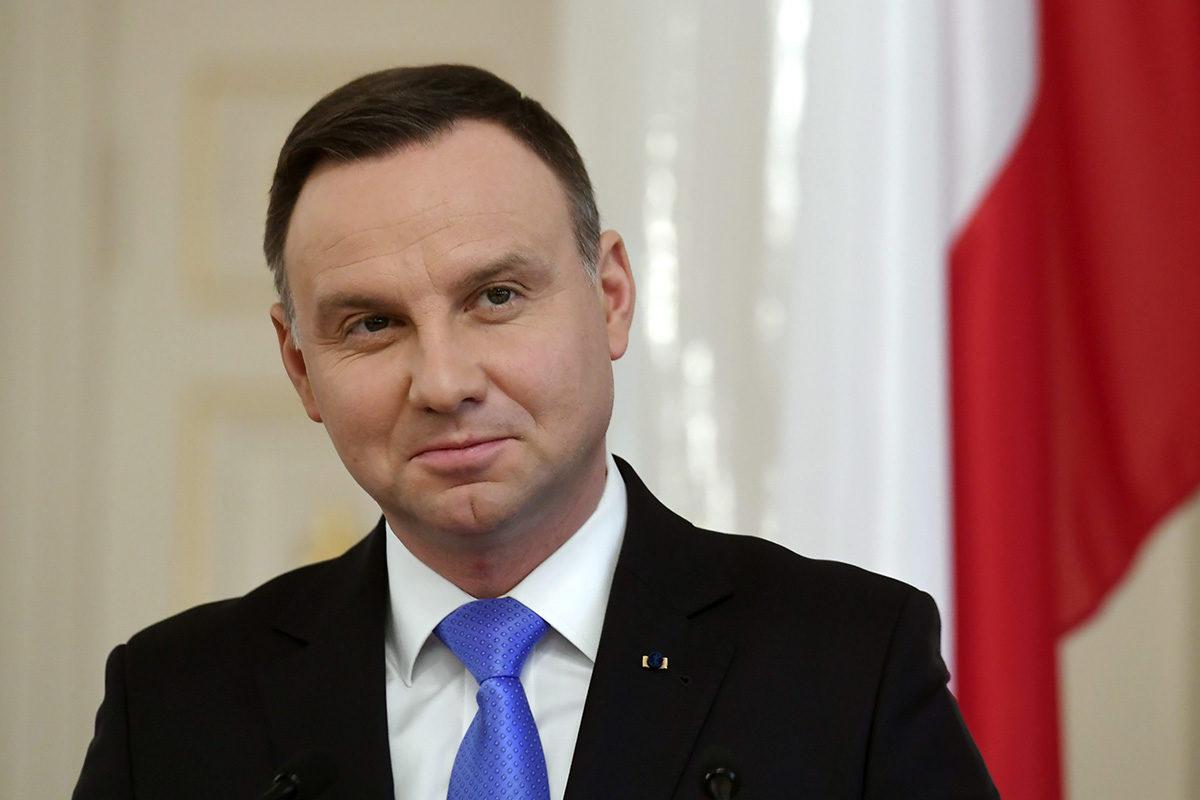 Puolan presidentti Andrzej Duda on puolustanut uudistusta ärhäkkäästi.