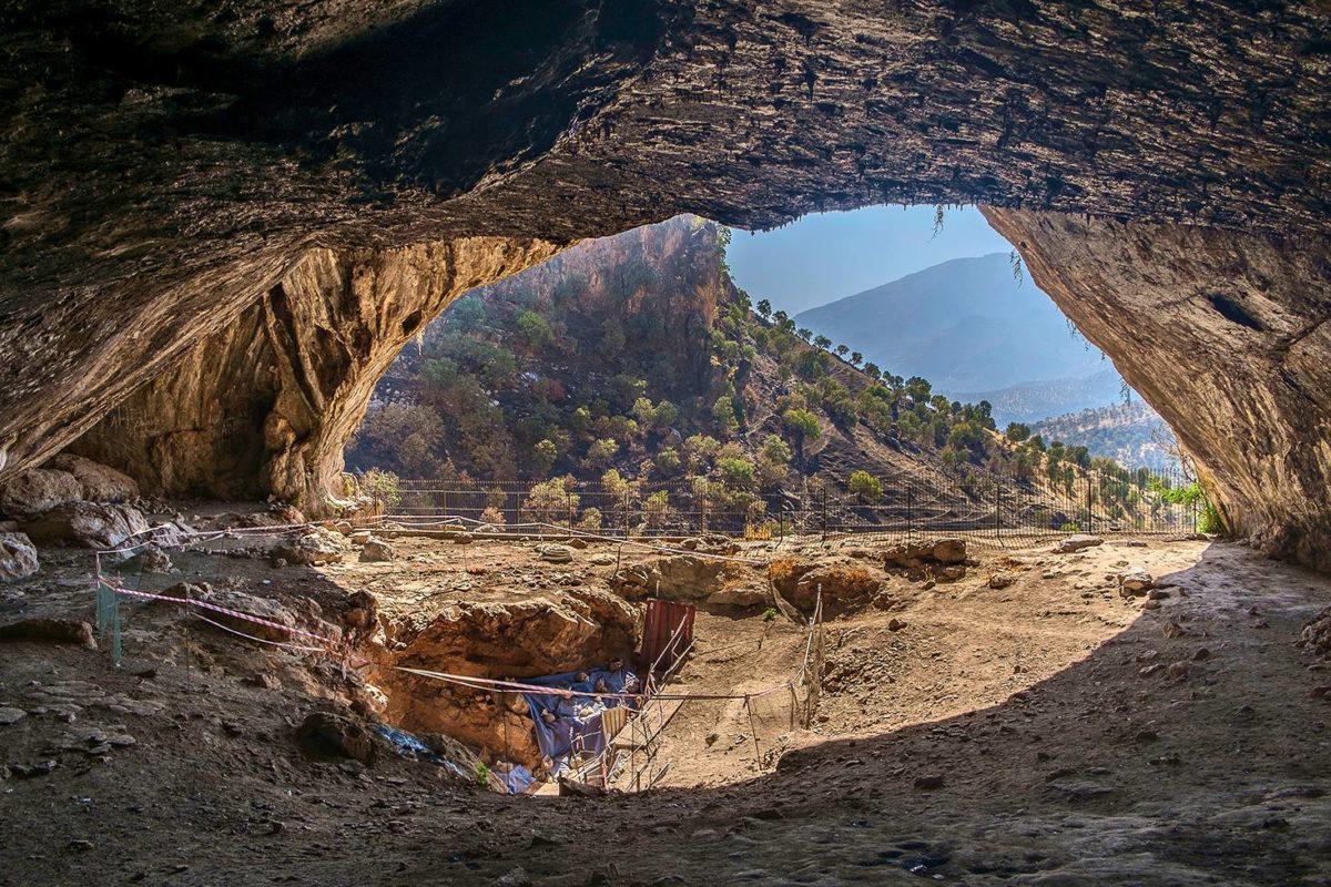 Shanidarin luolasta on löydetty useita neandertalilaisen luurankoja.