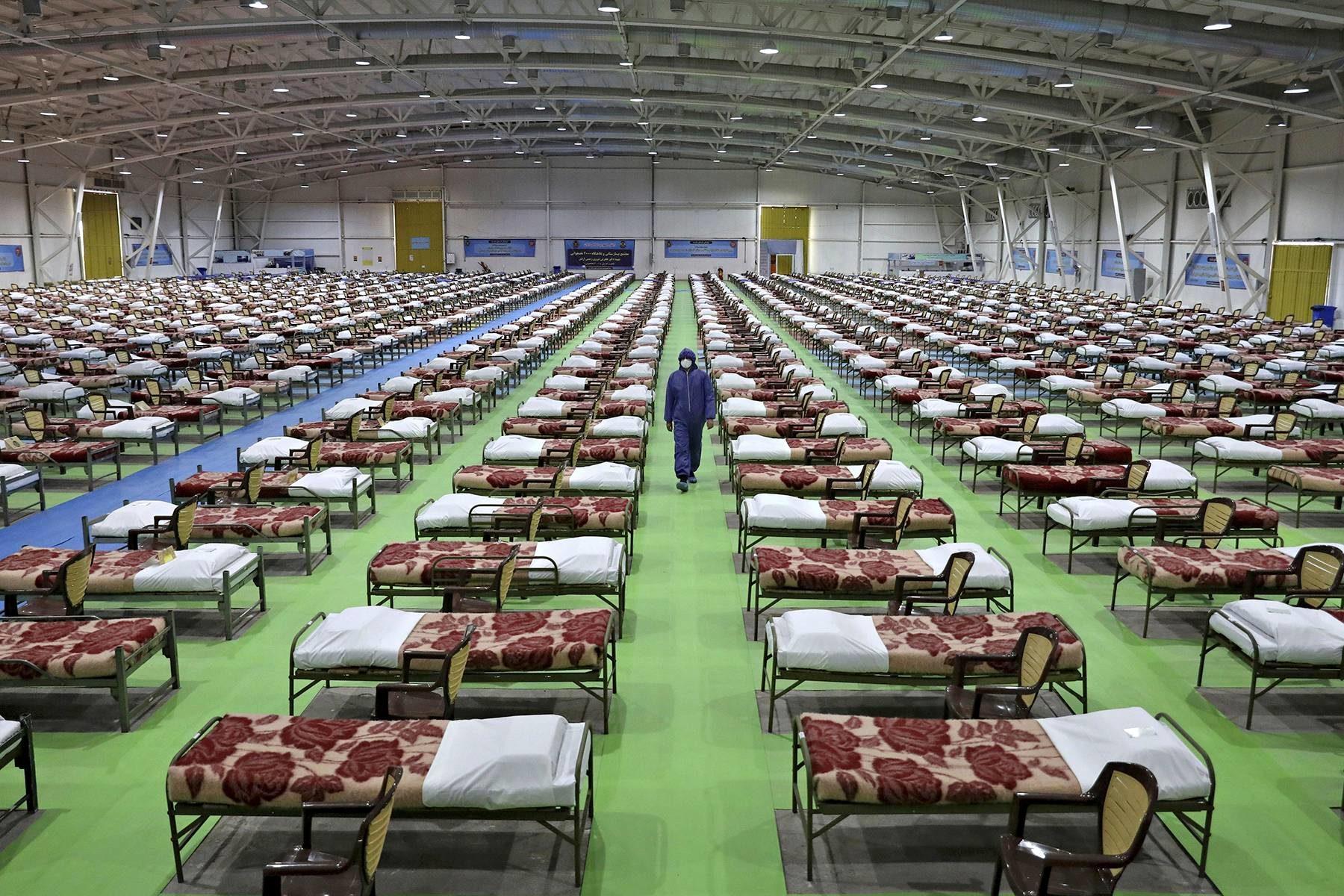 Iranin armeija on perustanut väliaikaisen 2000 koronaviruspotilaan sairaalan Teheraniin.