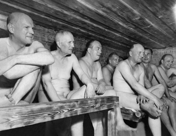 Urho Kekkosen pääministeriaikana saunominen kuului hallituksen iltakoulun vakio-ohjelmaan.