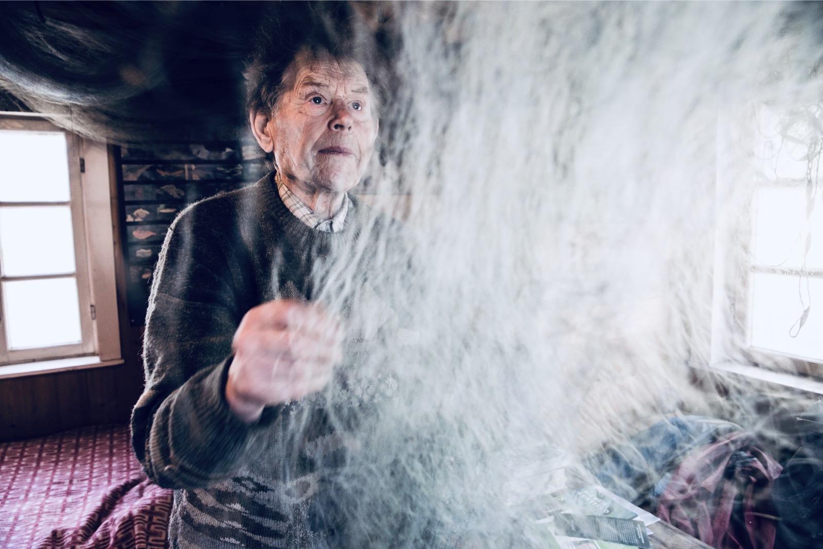 Pentti Linkola ripusti kalaverkkonsa lopullisesti naulaan vuonna 2015.
