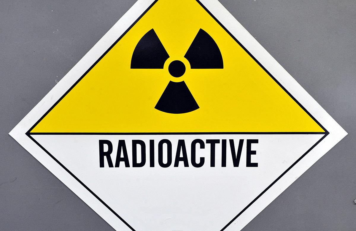 Ydinjätteen Puoliintumisaika