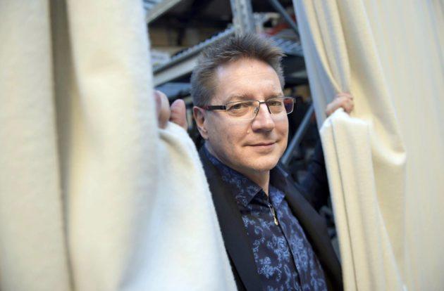 Rehtori Jari Perkiömäki johtaa Taideyliopistoa.