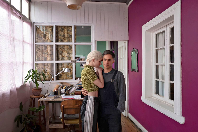 Eman ja Gastónin taiteilija-avioliitto luisuu kohti taistelua.