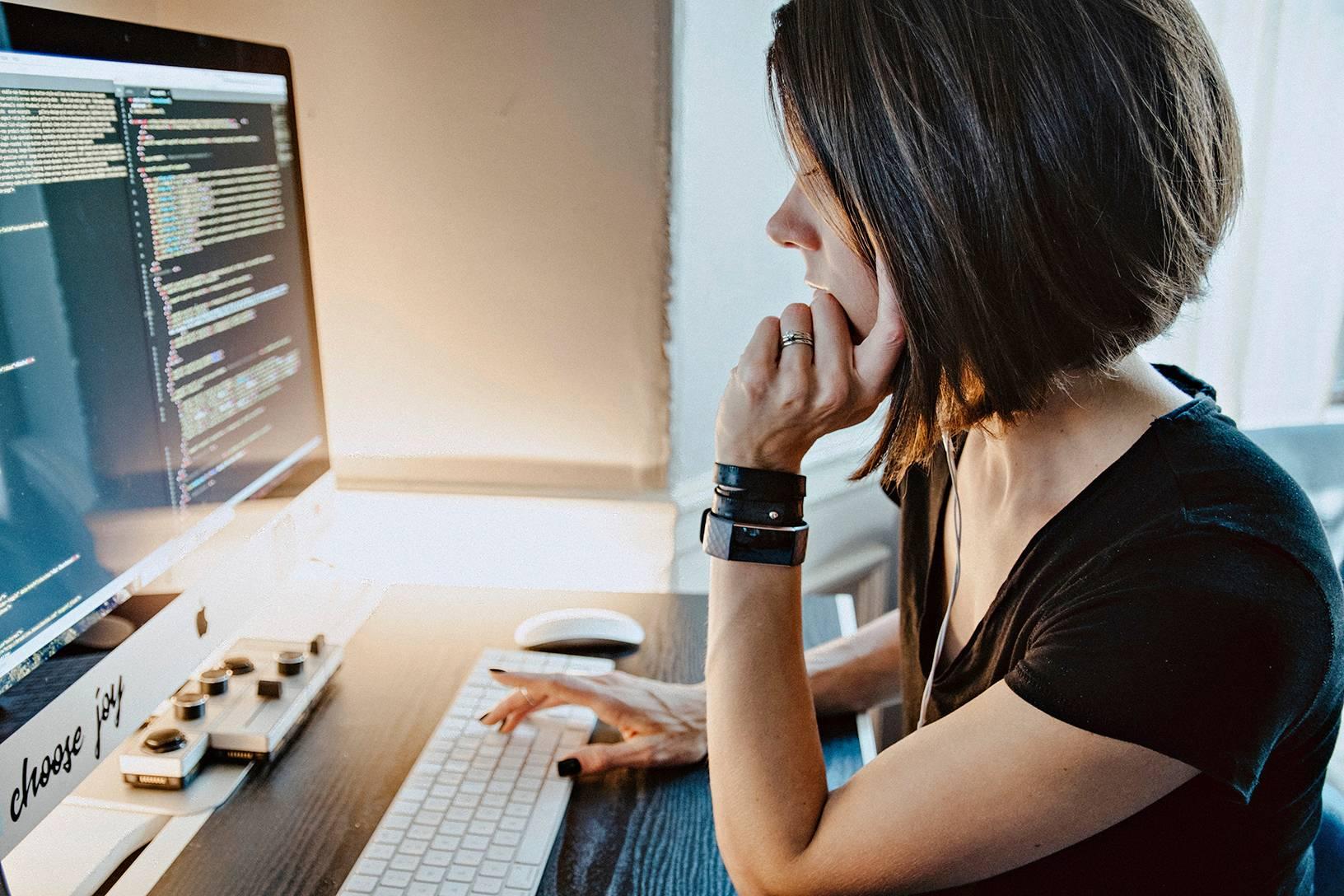 Päättelykyky ja muisti antavat pohjan ohjelmoinnin oppimiseen.