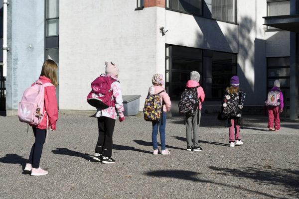 Koululaiset palasivat lähiopetukseen 14. toukokuuta.